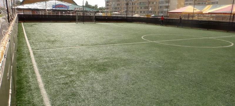 Футбольное поле в спорткомплексе «Ак Барыс»